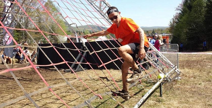 Activités Spartan Race 2015-2 - Coureur sur filets