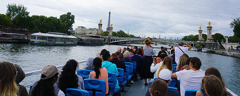 Expédition 360 - Voyage à Paris - Sur la route de Louis Braille - En bateau sur la Seine