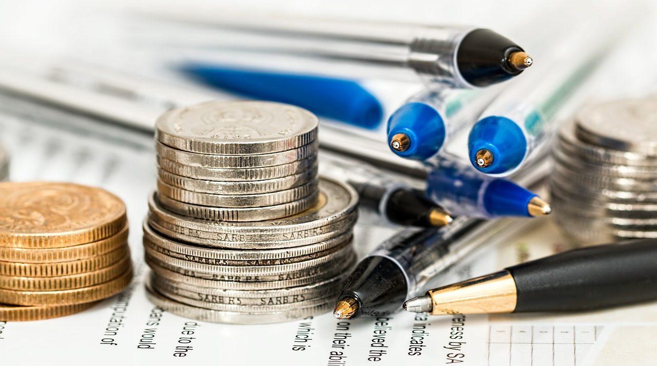 Image associée à Faire un don planifié - papiers, monnaie et crayons