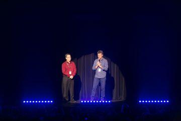 Photo de Ronald Beauregard et de Tommy Théberge sur scène lors du 35e gala Humour Aveugle