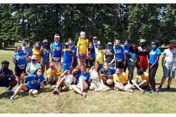 Une photo du groupe de jeunes et d'accompagnateurs.